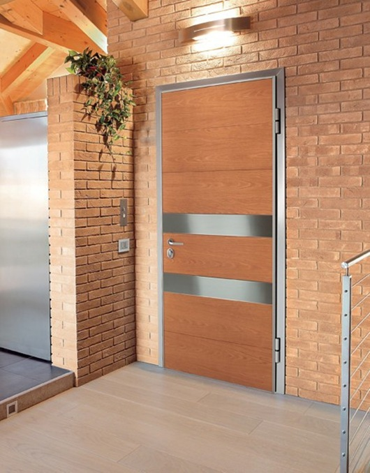 Puertas modernas para hogares contempor neos de oikos for Puertas en madera para exteriores