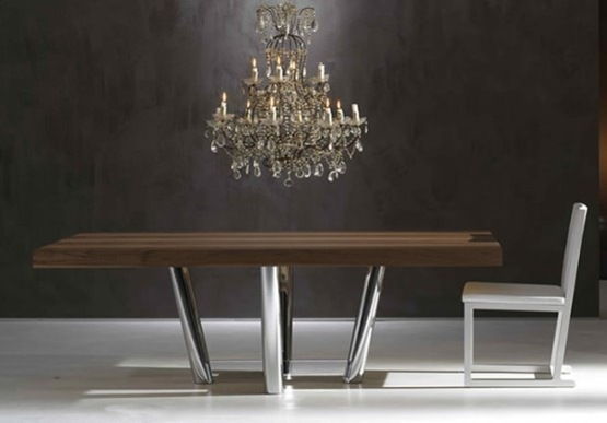 modern-and-luxurious-dinner-table_3-554x386
