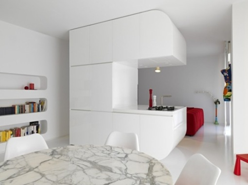 pure-white-futuristic-apartment-space-oddysey-1-554x415