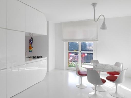 pure-white-futuristic-apartment-space-oddysey-2-554x415