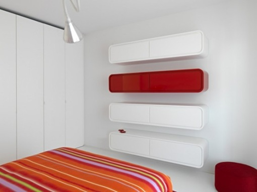 pure-white-futuristic-apartment-space-oddysey-6-554x415