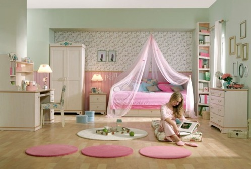 15-Cool-Ideas-for-pink-girls-bedrooms-4-554x373