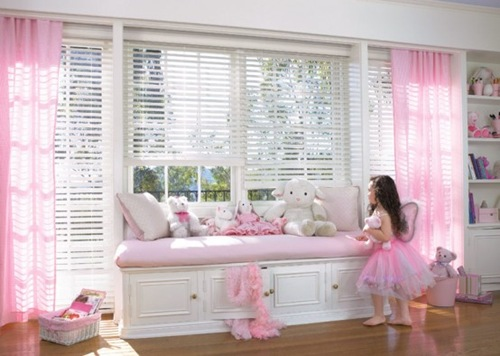 15-Cool-Ideas-for-pink-girls-bedrooms-6-554x394