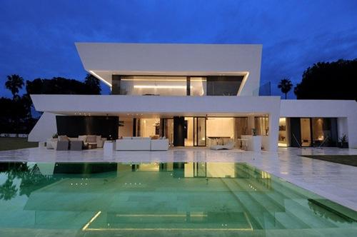 Impresionante casa moderna casa para vacaciones en la for Casa moderna mediterranea