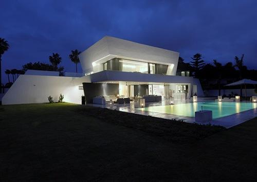 Impresionante casa moderna casa para vacaciones en la for Moderna architettura mediterranea