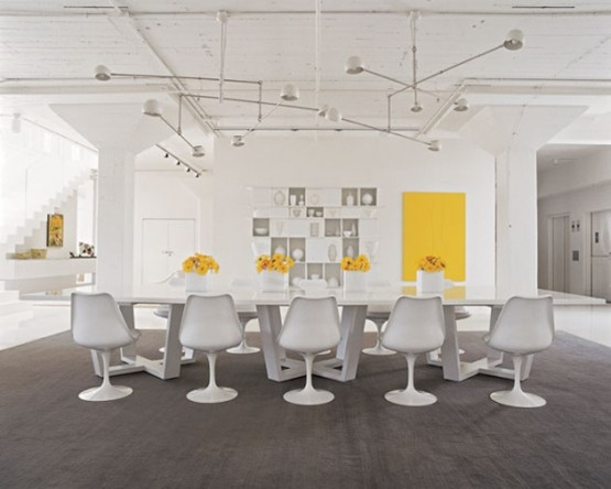 ultra-minimalist-white-interior-4-554x443