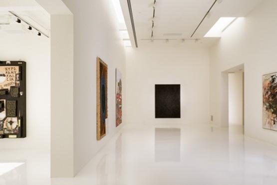 ultra-minimalist-white-interior-5-554x369