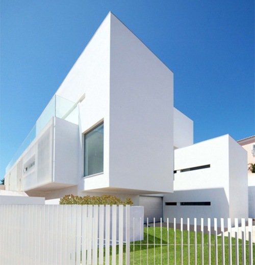 House-in-Paco-de-Arcos1