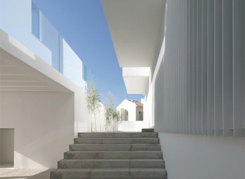 House-in-Paco-de-Arcos4