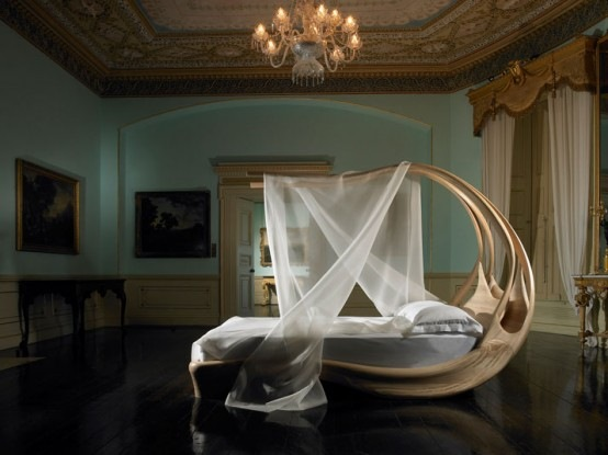Wooden-Canopy-Bed