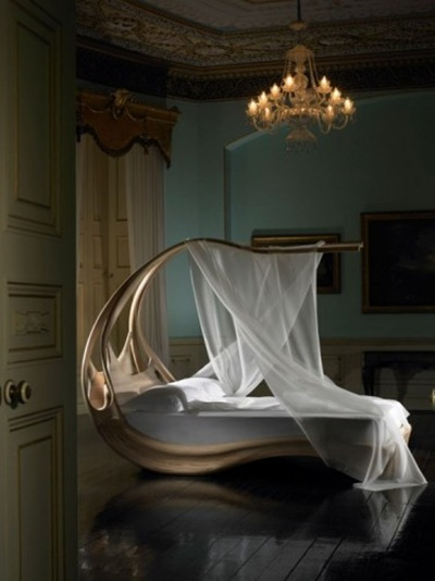 Wooden-Canopy-Bed-contemporary-design-375x500