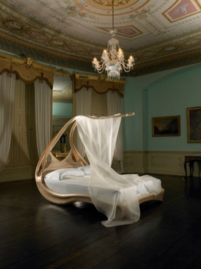 Wooden-Canopy-Bed-luxury-design-375x500