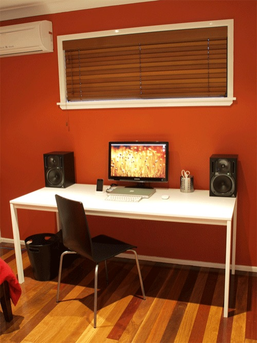 11-Workstation-and-desk