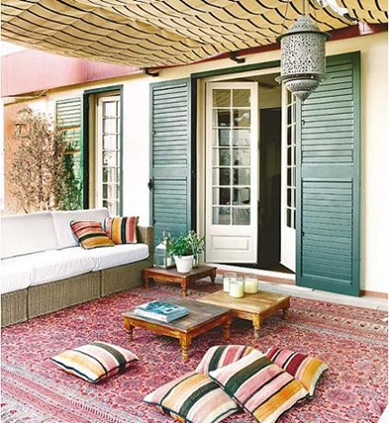 Ideas para decorar la terraza con frescura y color for Pisos para terrazas interiores