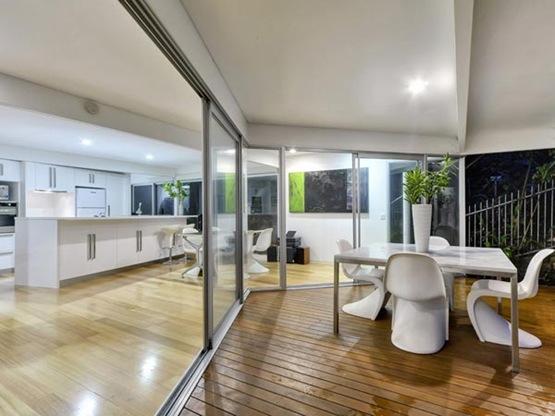 Residencia en australia con transparencias estilo Estilo contemporaneo arquitectura