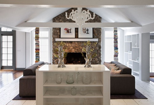 UXUS-Remodels-Modern-Hunting-Lodge-in-Historical-Connecticut-photo-by-Dim-Balsem-yatzer-1