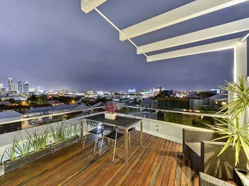Contemporary-Brisbane-Property-13