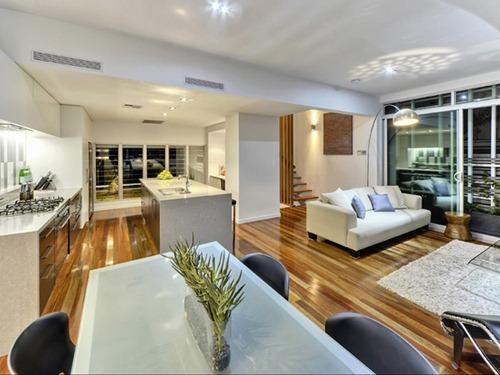 Contemporary-Brisbane-Property-5