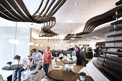 Green-Bistro-Interior-Design-9