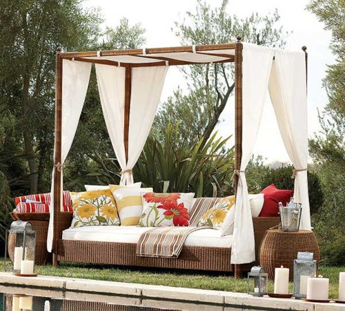 Outdoor-wicker-chair-sidepool-furniture-ideas1