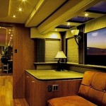 ashton-kutcher-trailer_05