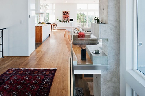 functional-minimalist-house-for-large-family-1
