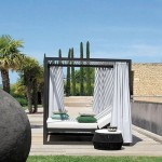 lit-a-baldaquin-de-jardin-contemporain-2463481
