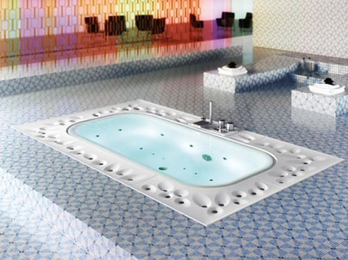 luxurious-bathtub-for-your-spa-1