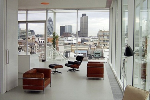 minimalist-apartment-with-a-rooftop-garden-1