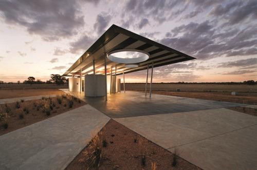2-BKK-Architects-Calder-Woodburn-Rest-Area