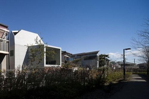 House-in-Abiko-by-Shigeru-Fuse-10-600x400