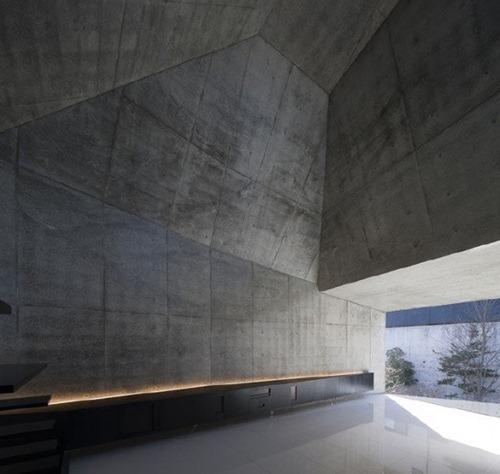 House-in-Abiko-by-Shigeru-Fuse-19-600x569