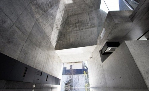 House-in-Abiko-by-Shigeru-Fuse-2-600x365