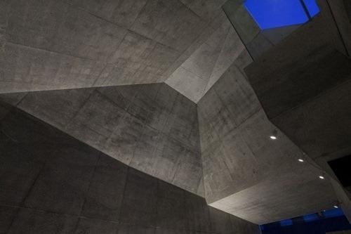 House-in-Abiko-by-Shigeru-Fuse-21-600x400