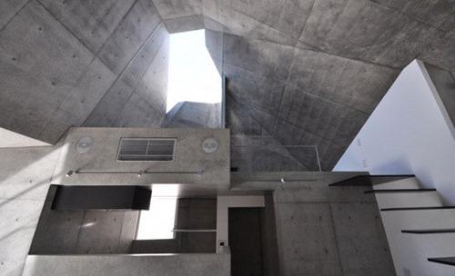 House-in-Abiko-by-Shigeru-Fuse-600x365