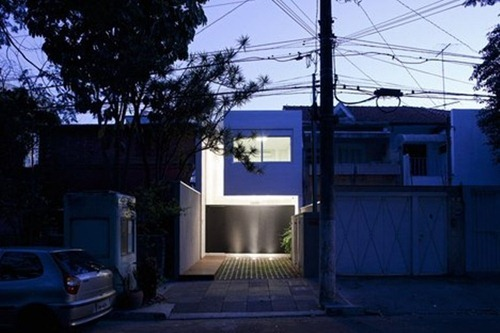 tiny-minimalist-bright-house-in-brazil-2
