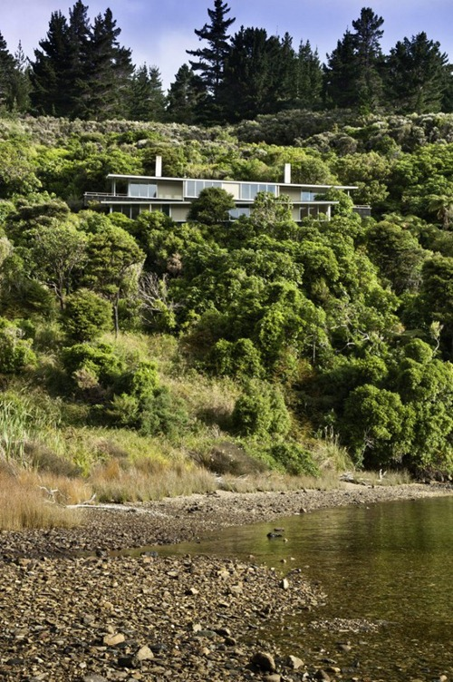 Apple-Bay-House-by-Parsonson-Architects-1