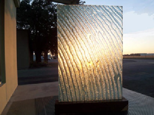 10-Edge-Lit-Ice-Wall-from-Light-Link