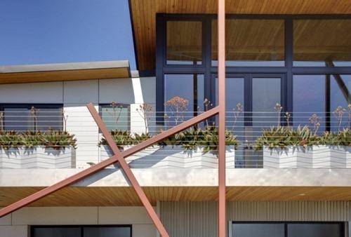 Stinson-Beach-House-02-800x541
