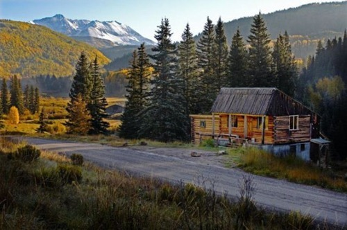 unique_cabins_in_the_woods_640_04