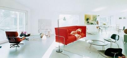 Red-Modern-sofa-white-living-room-665x305