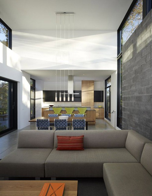 Casa moderna con vista a la bah a y patio privado interiores for Arquitectura de interiores a distancia