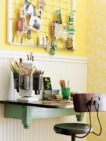 tiny-vintage-home-office