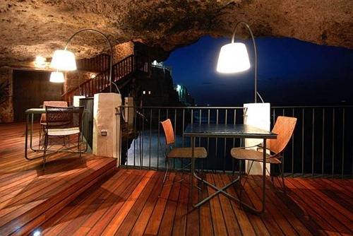 restaurant-inside-a-cave-cavern-itlay-grotta-palazzese4