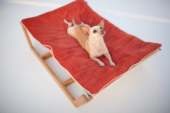 luxurious-furniture-for-spoilt-pets-5-554x369