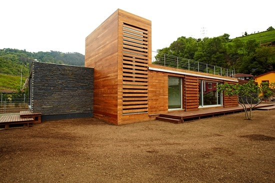 Attractive-and-Sustainable-Spanish-Home-by-Zwei-Estudio-Creativo1