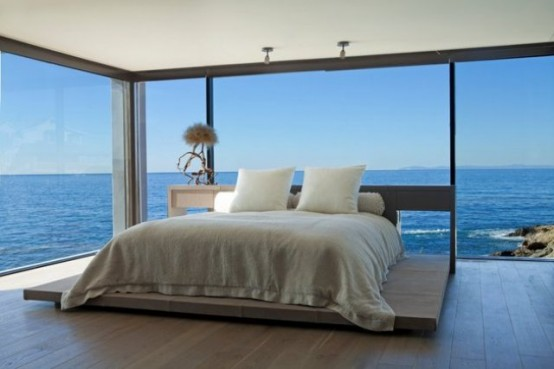 ocean-family-home-with-chic-interiors-in-neutral-colors-14-554x369