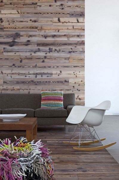 Wooden-wall-behind-the-couch