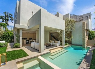 Terrace-and-swimming-pool_thumb