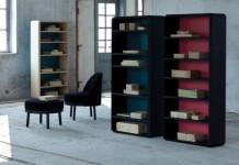 Funcional librero de madera con un esquema zig zag 02